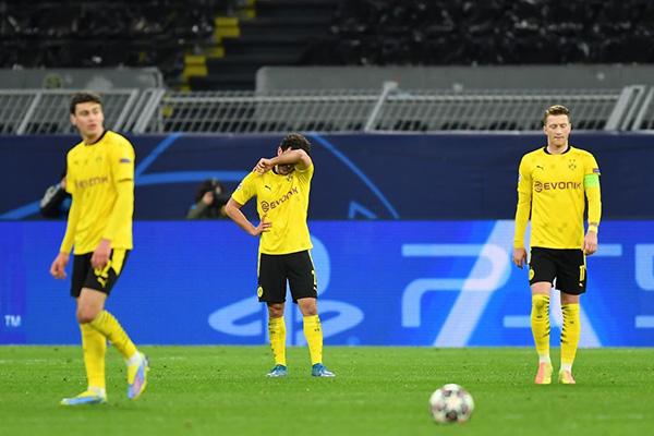 La resignación del Dortmund fue inevitable a pesar de no haber hecho un mal partido. (Foto: AFP)