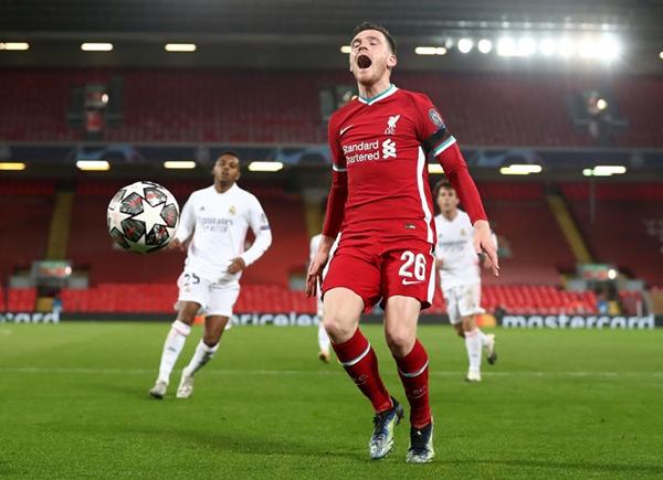 El lamento de Robertson es el de todo el Liverpool, cada vez más encaminado a empezar un nuevo ciclo. (Foto: AFP)