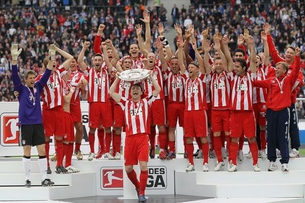 Bayern quiere repetir esta escena al término de la temporada. ¿Estará en condiciones de refrendar su título? (Foto: AFP)