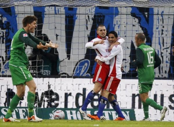 Paolo Guerrero no la pasa del todo bien en Hamburgo. Apenas ha convertido tres goles en 15 partidos (Foto: Reuters)