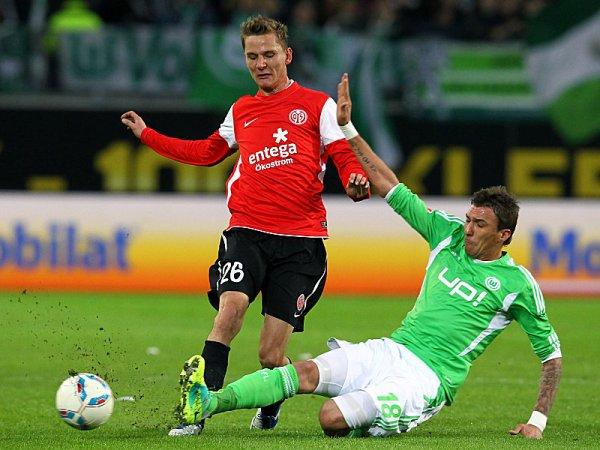 NO AULLÓ. Empezó ganando en el primer tiempo or 2 a 0, pero Wolfsburgo terminó empatando ante un Mainz que consiguió la paridad vía Maxim Choupo-Moting. (Foto: AP)