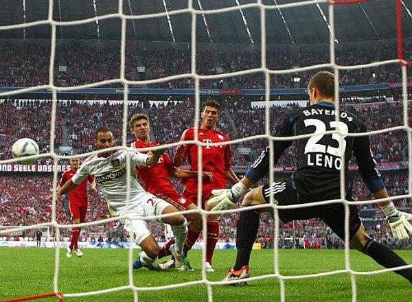 SI ES BAYERN, ES BUENO. En Munich, Bayern derrotó a Leverkusen sin atenuantes, con un 3-0 y teniendo como figura a Thomas Muller. (Foto: AP )