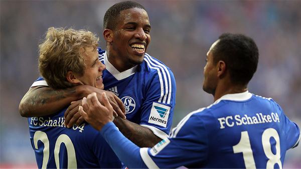La 'Foquita' Farfán busca ganar protanismo en Alemania llevando al Schalke a los primeros puestos (Foto: bundesliga.com)