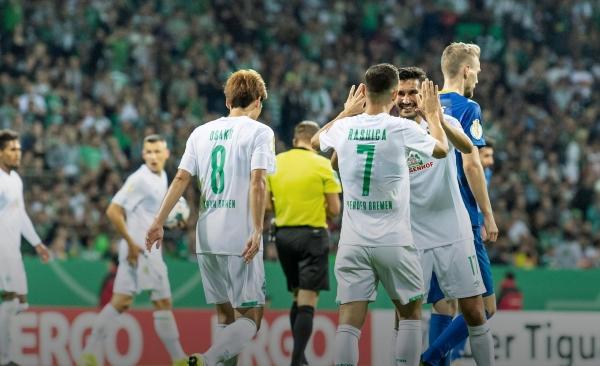 El Werder Bremen quiere que Pizarro cumpla sobre el final. (Foto: Prensa Werder Bremen)
