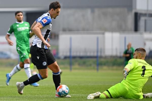 Serra, acaso los goles que el Arminia Bielefeld requiere para evitar tantas preocupaciones. (Foto: AFP)