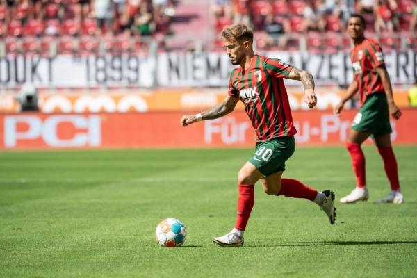 Dorsch, del fútbol belga a mover el juego del Augsburg. (Foto: AFP)