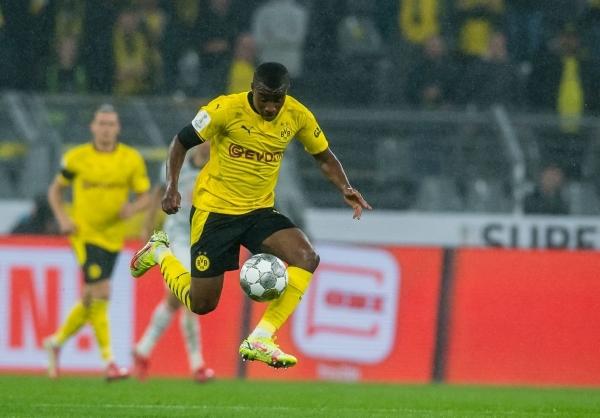 Moukoko, de las mejores promesas de la cantera del Dortmund. (Foto: AFP)