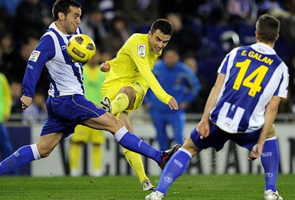 MUCHO INTENTO. Villarreal y Espanyol se vieron cercados y no pudieron abrir el marcador durante los 90 minutos. (Foto: AP)