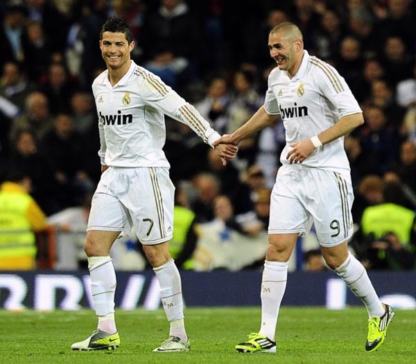 Los goles de Cristiano Ronaldo han ido de la mano con los de Karim Benzema en esta Champions que tiene a los merengues a dos pasos de una nueva final (Foto: AFP)