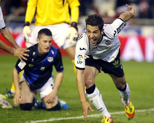 La Liga de España siempre surte de figuras a su selección, tal como es el caso de Jordi Alba, quien en el Valencia se destacó lo necesario para llegar a los ojos del técnico Vicente del Bosque (Foto: Reuters)