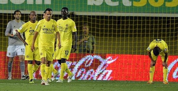 Villarreal se hundió en la zona de descenso en la última jornada dejando atrás las buenas campañas que lo llevaron a los primeros planos de Europa (Foto: AFP)