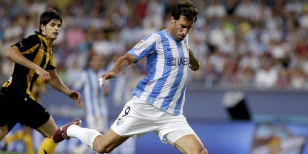 Van Nistelgol ha vuelto a la Liga tras su periplo por el Hamburgo. El holandés será el líder en ataque del nuevo Málaga (Foto: Efe).