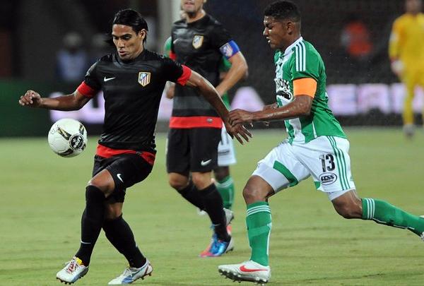 Radamel Falcao García se mantiene en el equipo colchonero que con sus goles busca hacerle sombra a los de arriba (Foto: AP)