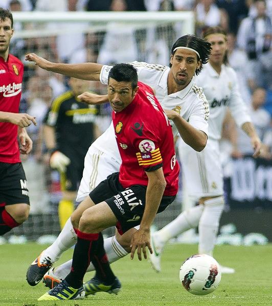 A José Luis Martí su experiencia le basta para seguir dándole al balón en un torneo tan competitivo (Foto: AFP)