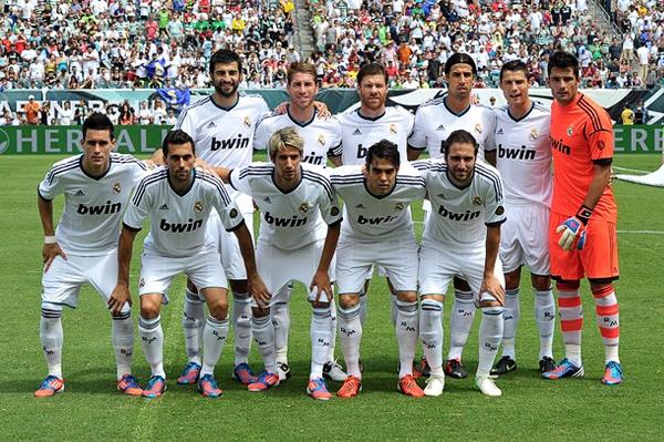 El equipo conducido por José Mourinho apunta a repetir el plato de la última temporada alcanzando un nuevo título (Foto: AFP)