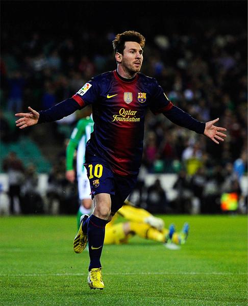 Lionel Messi está en el mejor momento como goleador de su carrera, lo que lo ha llevado a sumar o acercarse a varios records (Foto: AFP)
