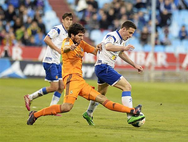 Nada fácil fue para el Castilla doblegar a un Zaragoza que no aceptó su derrota hasta el final (Foto: realzaragoza.com)