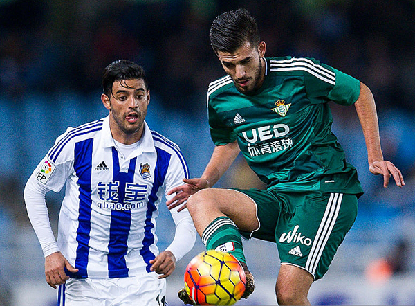 Real Sociedad y Betis buscan sumar y clasificar a un torneo internacional. (Foto: AFP)