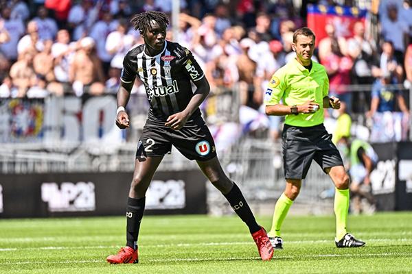 Mendy llega al Angers en busca de consolidación. (Foto: AFP)