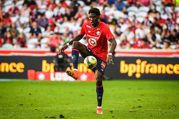 El belga Onana va por el cartel de nueva estrella del campeón Lille. (Foto: AFP)