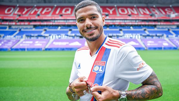 Henrique llega a añadir más toque de samba al abrasileñado Lyon. (Foto: AFP)