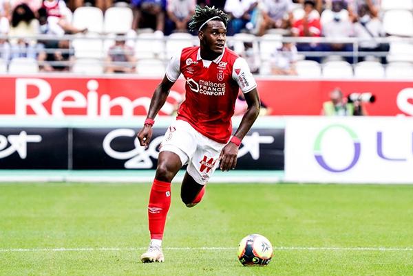 El caribeño Gravillon mantiene el reto de brillar en la Ligue 1, ahora con el Reims. (Foto: AFP)