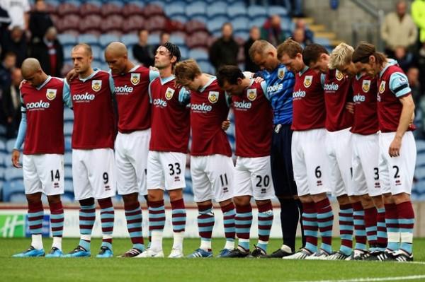 El Burnley de Diego Penny luce sus colores en la elite inglesa por primera vez en 33 años (Foto: AFP)