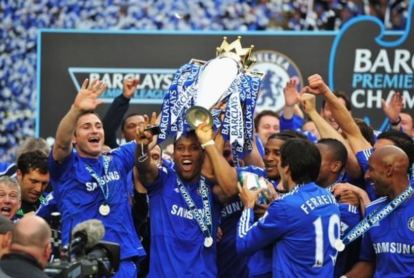 Chelsea tocó la gloria en Inglaterra. Por cuarta vez en su historial, los 'blues' se alzaron con el título (Foto: AFP)