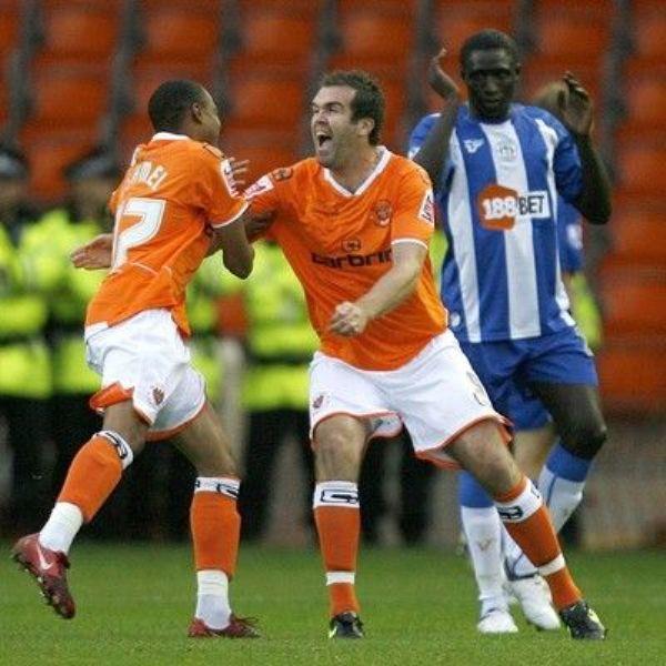 Blackpool, recién ascendido a la Premier League, sorprendió a propios y extraños con una goleada a su favor en condición de visitante (Foto: football.co.uk)