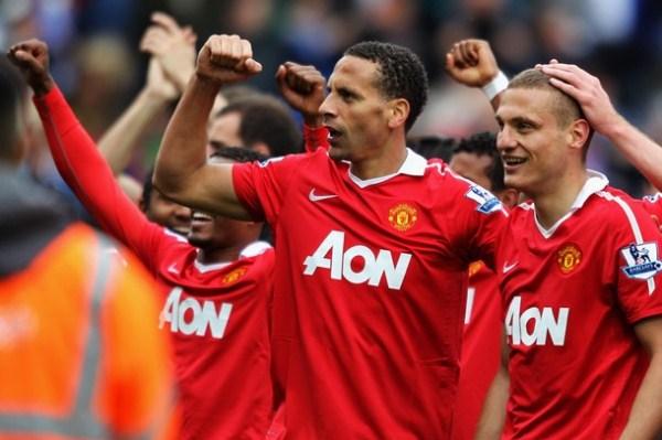 Manchester United se consagró campeón por 19° oportunidad. Vidic y Ferdinand fueron sus estandartes en la zaga. (Foto: AFP)