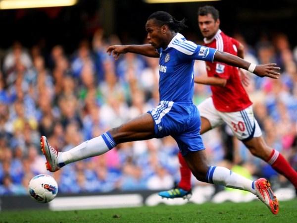 DE MARFIL. Didier Drogba no anotó en la segunda fecha y se va extrañando la cuota goleadora del africano en Chelsea. (Foto: AFP)