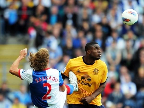 SIGUE ABAJO. Blackburn sumó su tercera derrota en igual número de partidos tras caer por la mínima ante el Everton. (Foto: AFP)