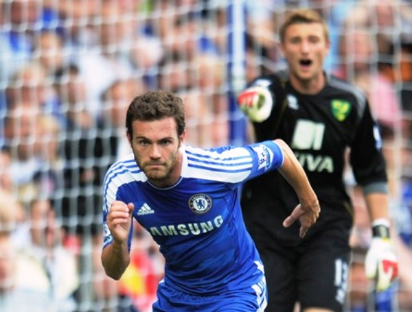 A PASO FIRME. Chelsea no tuvo problemas para derrotar al Norwich City. El cuadro azul se impuso por 3-1. (Foto: AFP)
