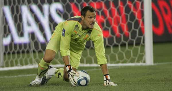 Carlo Cudicini seguirá siendo el segundo arquero del Tottenham. El italiano sigue sumando temporadas en la Premier Division inglesa. (Foto: Tottenham.com).