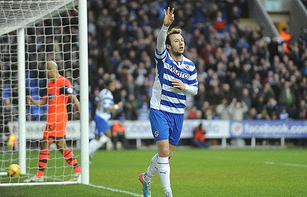 Adam Le Fondre marca los tres goles que anotó en la valla de Bolton en una jornada para remarcar en la historia del Reading (Foto: dailymail.co.uk)