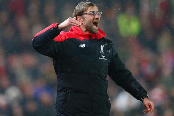 Klopp puede dar el golpe con Liverpool y conseguir su primera Premier League (Foto: AP)