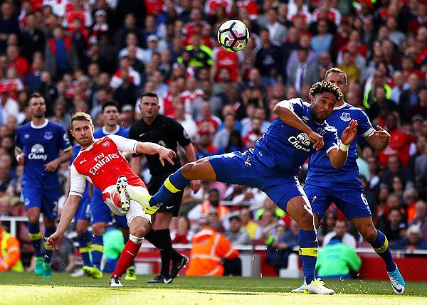 El Arsenal lleva una mochila muy pesada. ¿Acaso será el momento de su ascenso? (Foto: AFP)