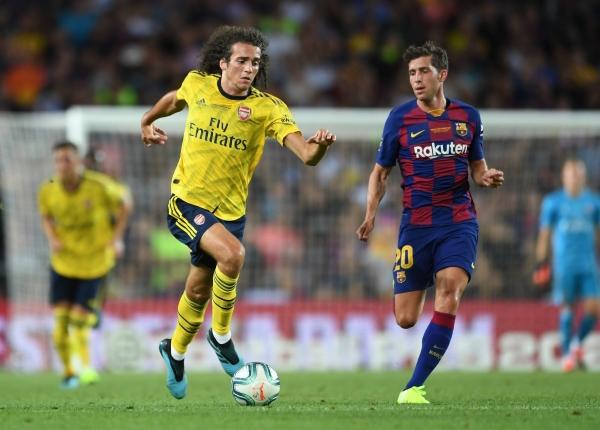 La de Guendouzi ya no será la única cabellera coposa del Arsenal: lo acompañará David Luiz. (Foto: Prensa Arsenal)