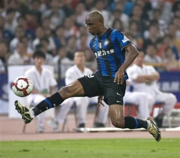 Eto'o ha monopolizado miradas en Italia con su pase al Inter (Foto: AP)