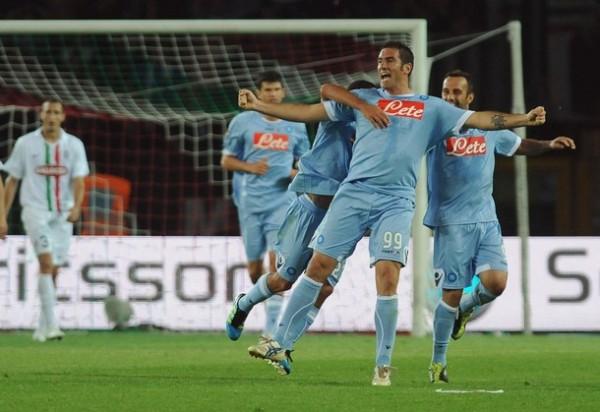 Napoli realizó una temporada expléndida luego de mucho tiempo y alcanzó el acceso a la Champions League (Foto: AFP)