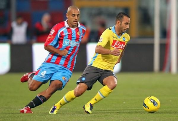 POR EL CAMINO DEL TRIUNFO. El Catania volvió a sumar una nueva victoria tras superar por 2-1 al Napoles y continúa en la parte alta de la tabla. (Foto: AP )