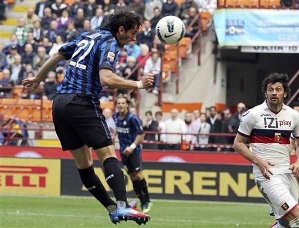 Han pasado dos temporadas desde que Inter ganó la Champions con Diego Milito como goleador y desde entonces la cuota goleadora del argentino se ha mantenido intacta (Foto: AP)