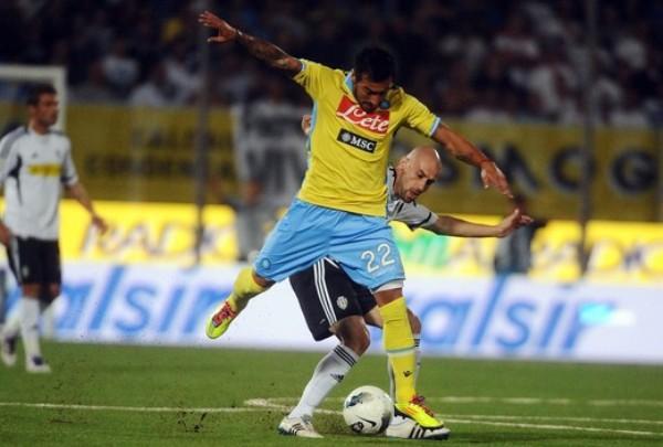 PARA NO PERDER LA COSTUMBRE. Napoli no pudo tener un mejor arranque del torneo. Se impuso en su visita al Cesena  por 1-3. (Foto: AP )