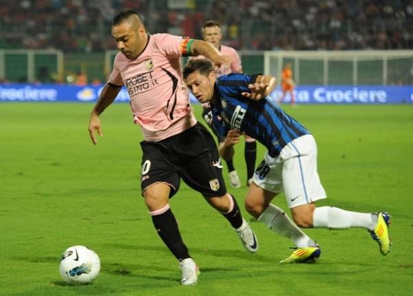 CORAJE. En el partido más reñido de la primera fecha, Palermo se impuso ajustadamente por 4-3 al Inter. (Foto: AP )