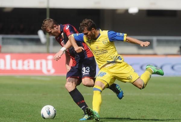 CHICOTES CRUZADOS. Con Rinaldo Cruzado en cancha, Chievo venció por 2-1 a Genoa sobre el final del partido. (Foto: AP )