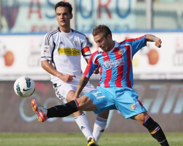 VALIÓ LA PENA. Catania se impuso por la mínima ante el Cesena y logró su primera victoria en el torneo. (Foto: AP )