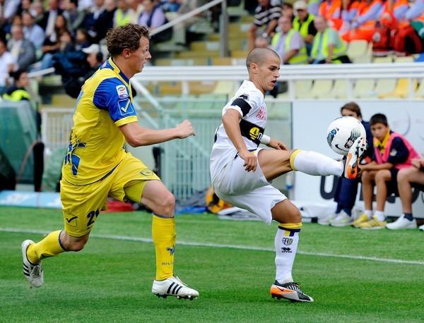 CONTROLARON LA SITUACIÓN. De la mano de Sebastian Giovinco, Parma dio cuenta del Chievo Verona de Rinaldo Cruzado. (Foto: AP )
