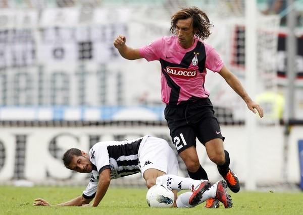 LO JUSTO Y NECESARIO. Juventus logró una ajustada victoria como visitante ante el Siena. El equipo de Turín se mantiene con puntaje perfecto. (Foto: AP )