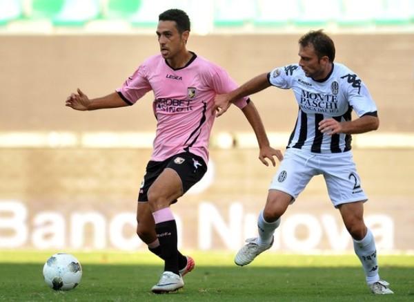 SE METE EN LA PELEA. El Palermo dio cuenta del Siena por 2-0 y trepó hasta la cuarta ubicación. (Foto: AP )