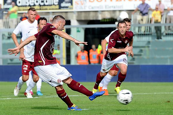 Livorno aplastó al Trapani y sigue encaminado al ascenso en Italia (Foto: La Presse)